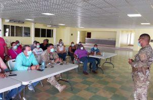 Reunión informativa entre el Senan y los familiares de los cinco colonenses desaparecidos desde el pasado sábado.
