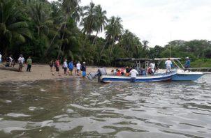 Los heridos fueron traslados en una lancha rápida hasta Puerto Mutis. Foto: Melquíades Vásquez.
