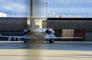 Momentos de la llegada de Cristiano a Turín en un avión privado. Foto:EFE