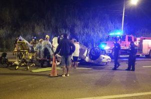 """El accidente de tránsito ocurrió frente al sector conocido como """"El Maguito"""", en el área de la Transístmica, corregimiento de Nuevo San Juan."""