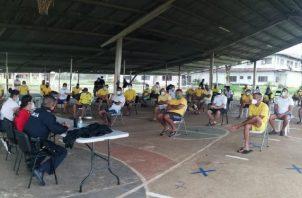 Un grupo de privados de libertad de La Joya y La Nueva Joya, quienes coadyuvarán con la entidad para mantener las medidas de bioseguridad fueron capacitados.