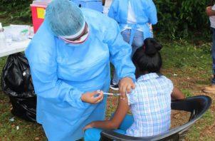 La vacuna en las entidades públicas es gratis, mientras que en los centros privados cuesta más de 200 dólares.