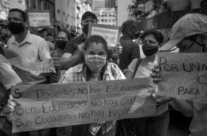 De nada sirve una sociedad con un laberinto de leyes sobre la libertad y derechos múltiples – algunas veces solapados– si no se establecen los valores que la rigen. Foto: EFE.