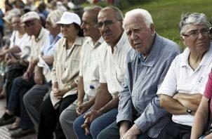 Las multas aplicadas por violación a la Ley 6 de 1987 (beneficios a jubilados, pensionados y personas de la tercera edad) se depositan en el Fondo Especial de Jubilados y Pensionados. Foto/Archivo