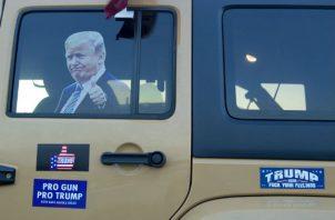 Los republicanos recuerdan a los demócratas que Trump también marchaba por detrás en las encuestas en 2016, y aún así, venció a Hillary Clinton. Foto: EFE.