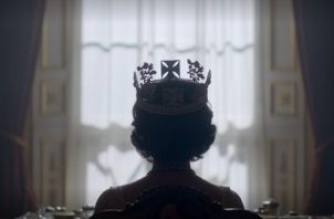 """Dos nuevas actrices se suman al elenco de """"The Crown"""": Gillian Anderson como Tatcher y Emma Corrin como Lady Di. Foto: Netflix"""