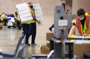 Con el 94% escrutado en Michigan, el candidato demócrata, Joe Biden, tiene una ventaja de más de 37.000 votos sobre Trump, un margen de apenas el 0,7 %. Foto: EFE