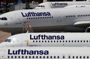 El plan de vuelos de invierno prevé que volarán 125 menos aviones de los que había calculado antes. EFE