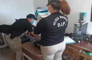 La Policía Nacional actuó junto a personal del Ministerio Público.