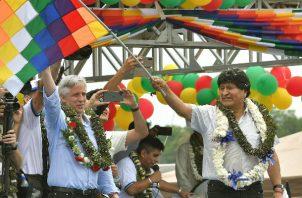Miles de seguidores aclamaron e Evo Morales como si siguiera siendo presidente, en Chimoré, zona cocalera. Foto: EFE.