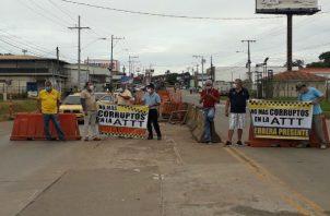Los taxistas indicaron que las protestas continuarán hasta que se derogue la medida. Foto: Thays Domínguez.