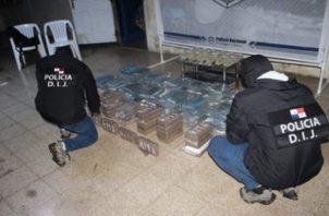 El decomiso de droga se registró luego que la Policía Nacional realizara un allanamiento en una residencia ubicada en el sector de Las Lajas en el Corregimiento Ernesto Córdoba Campos.