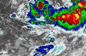 Se prevé efectos colaterales del huracán Iota en Panamá.