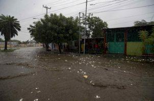 Iota tocó tierra apenas dos semanas después de que Eta, un huracán de categoría 4 lo hiciera en Nicaragua el 3 de noviembre pasado.