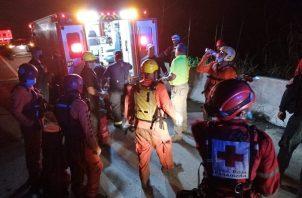 Ambas personas fueron atendidas por paramédicos del Benemérito Cuerpo de Bomberos de Panamá, aunque desestimaron ser trasladadas a algún centro médico.