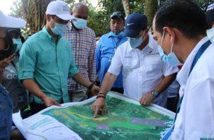 Uno de los casos que se analiza es el de la comunidad de Nueva Luz en el distrito de Arraiján, provincia de Panamá Oeste, ubicado dentro de una zona de uso y administración del Ministerio de Ambiente.