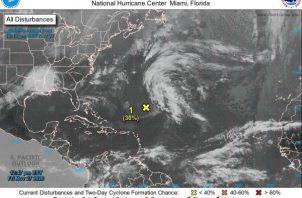 Movimiento ciclónico ubicado varios cientos de kilómetros al sureste de las Bermudas