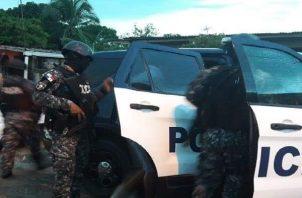 Las autoridades policiales llevan a cabo una serie de operativos para dar con los responsables de este homicidio. Foto: Diomedes Sánchez