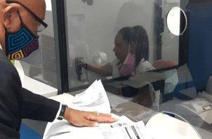 Los que tenían la jubilación pendiente pueden acercarse a las oficinas de la CSS. Foto: Diómedes Sánchez S.