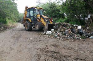Remueven desechos en zona de playa en el área de Chame.