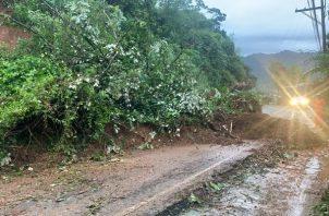 El paso fue restituido, según el vice gobernador de la provincia, Jorge Villanueva, agregó que el deslizamiento de tierra se dio en el tramo La Escucha – Portobelo.