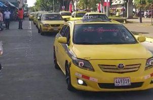 Los taxis cuya placa termina en 0, 2, 4, 6 y 8 (par) circulan lunes y miércoles.