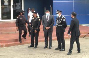 El ministro Juan Pino y el director de la PN, Jorge Miranda, asistieron al sepelio.