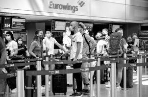 El confinamiento casi total, impuesto como respuesta a la pandemia, redujo en mayo el número de turistas internacionales en un 98%, en comparación con el 2019. Foto: EFE.