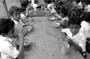 Ya han establecido comedores en los sectores: 7, en Génesis; en el 1-B, en el 20, Cuarta Etapa, La Colorada, Los Pinos, y ahora se irán más al oriente, instalarán un comedor infantil en Cabra de Pacora. Foto: EFE.