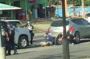 La Policía Nacional caturó a los antisociales a la altura del corregimiento de Buena Vista. Foto: Diómedes Sánchez S.