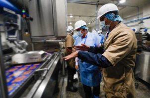 Las plantas señaladas, establecidas en las provincias de Los Santos y Chiriquí, procesan embutidos de origen bovino, porcino y aviar. Foto/Cortesía