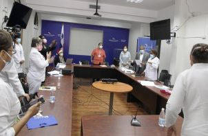 El ministro Luis Sucre y las enfermeras se reunieron hoy.