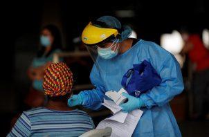Panamá ha aplicado 1.034.667 pruebas de detección de contagio de la COVID-19, en nueve meses de pandemia. Foto: EFE
