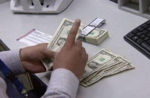 Más de 100 mil trabajadores recibirán el pago de décimo tercer mes. Archivo