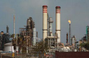 La OPEP estima en 89,99 millones de barriles diarios (mbd) la demanda en 2020. EFE