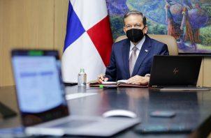 El presidente Laurentino Cortizo dijo que se la rifaría si se contagia, pero luego reculó.