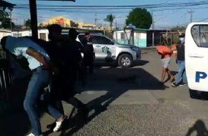 Los sospechosos fueron ubicados en uno de los apartamentos de los multifamiliares de Ciudad Esperanza, en el distrito de Arraiján, provincia de Panamá Oeste.