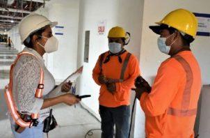 Ayer iniciaron los trabajos para habilitar salas de la Ciudad de la Salud para atender a pacientes con Covid-19.  Foto de cortesía