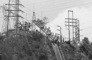 Existe una diferencia de la demanda máxima registrada con la demanda actual en hora pico de 269 MW, demanda que en su momento cubrieron los generadores de combustión interna. Foto: EFE.