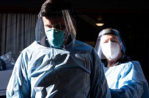 California es el lugar con más casos detectados (663.954) y fallecimientos (9.153) dentro de Estados Unidos. Foto: EFE