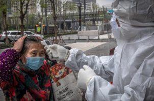 China lleva meses con la epidemia prácticamente bajo control, sin registrar además ningún fallecimiento desde mediados de mayo. Foto: EFE
