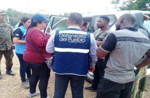 La Defensoría del Pueblo entregó productos de aseo y alimentos.