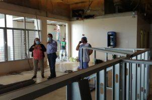 La cafetería del hospital Nicolás A. Solano también ha sido habilitada como sala de atención. Foto: Eric A. Montenegro..