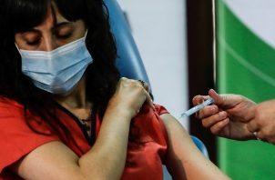 Usted puede llenar el formulario a través de la pagina web: vacunas.panamasolidario.gob.pa