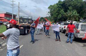 Los manifestantes alegan estar cansados que el Gobierno Nacional les esté tirando la carga a la clase obrera. Foto: Diómedes Sánchez