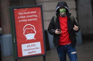 En un periodo de 24 horas, se detectaron 47.425 nuevos contagios en territorio británico. Foto: EFE