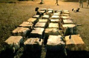La droga era transportada en una lancha rápida, la cual fue decomisada.