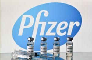 En el primer cargamento llegaron 12,840 dosis de vacunas contra la covid-19 de la empresa Pfizer.