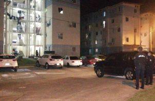 Este suceso de violencia se dio en la Torre H-153, cuando varias personas se encontraban en la parte baja del edificio, y es cuando se inicia la balacera, pasadas las 7:00 de la noche.