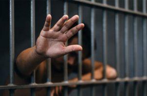 La funcionaria indicó que muchos de los detenidos son por delitos relacionados con drogas. Archivo
